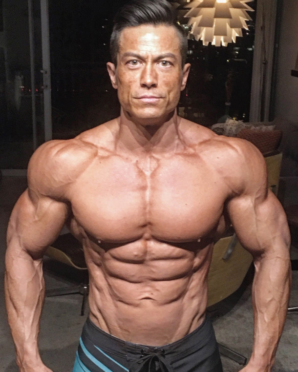 Alex Woodson ripped abs, lean, low body fat, huge arms