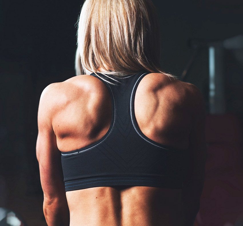 bodybuilding_muscle_girl_fitness_104482_3840x2400