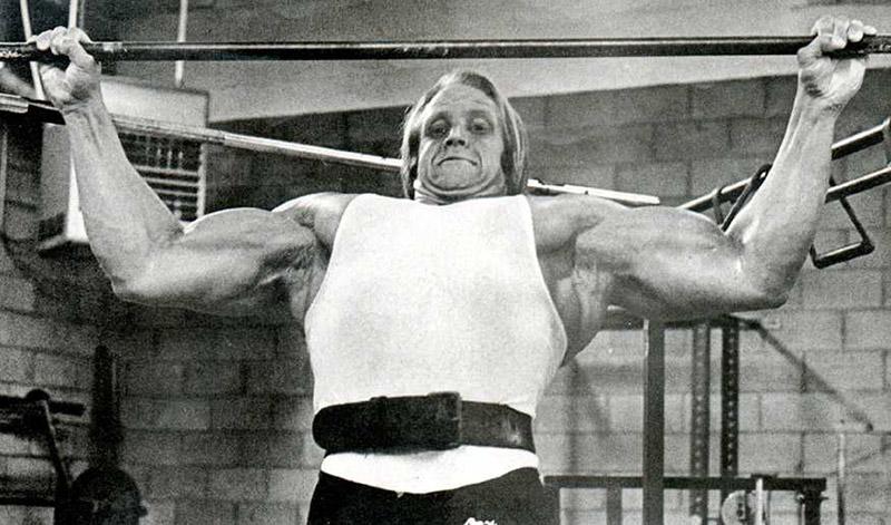 mike-katz-bodybuilder-pull-ups