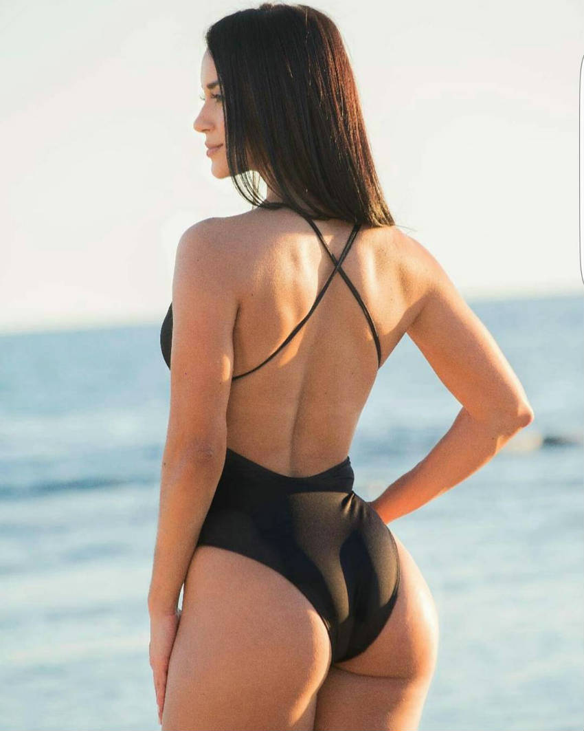 alzira rodriguez from behind