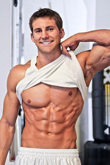 dave dreas showing abs