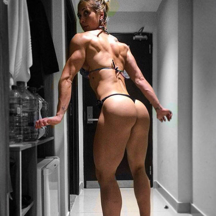 leticia rapucci back and glutes