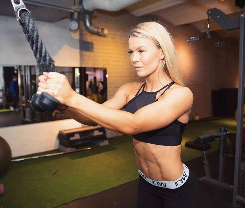 lina spansk triceps workout