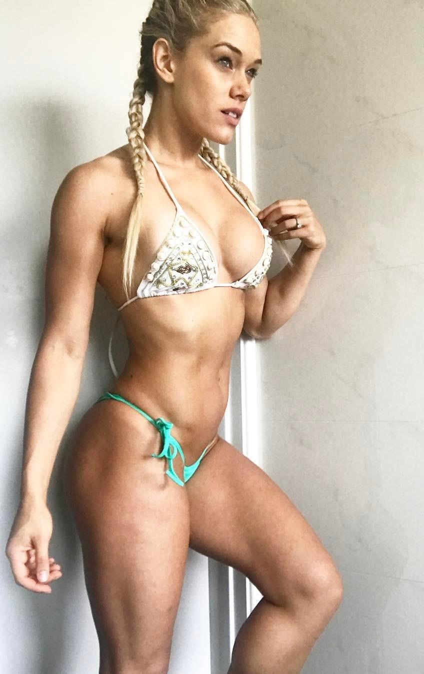 nina silic bikini