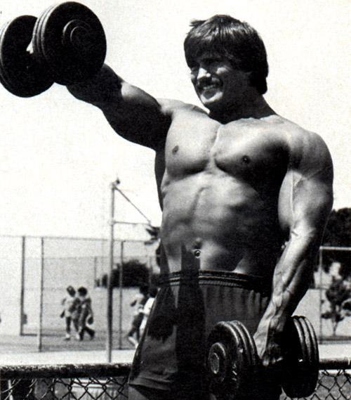 roger challard training shoulders