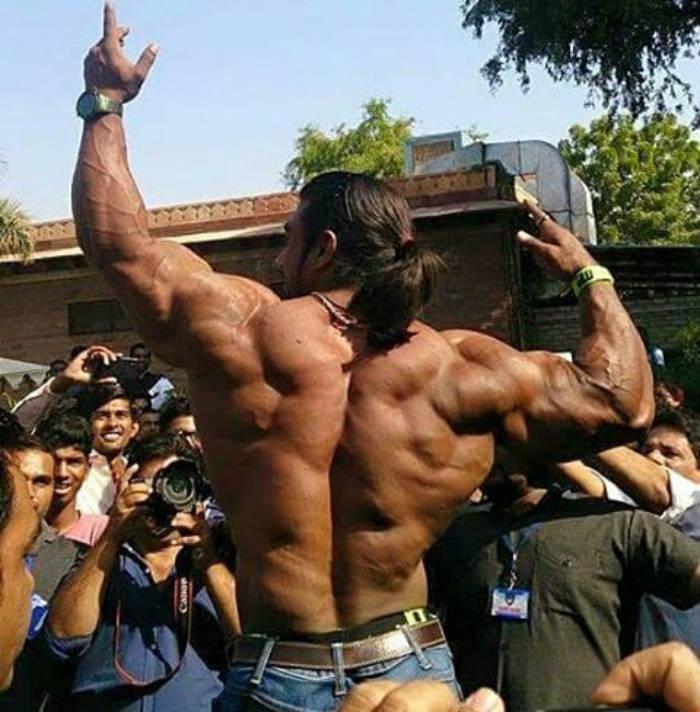sangram chougule back pose