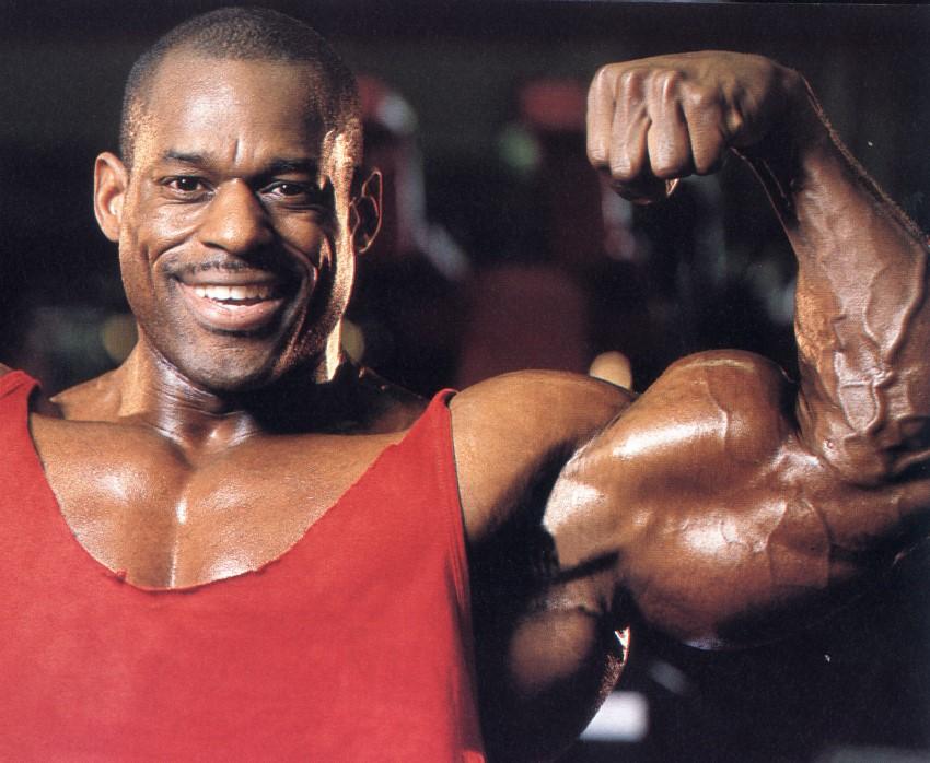 vince taylor biceps peak