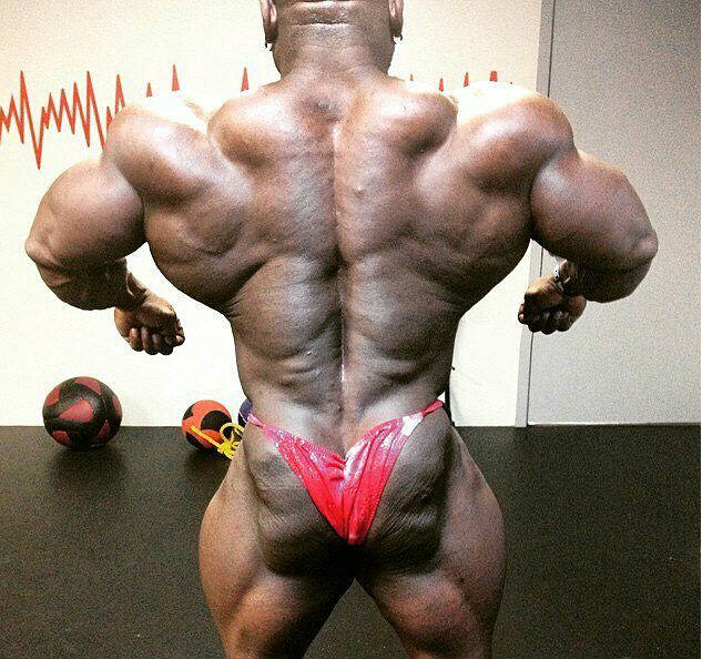 Charles Dixon showing his back before a competition