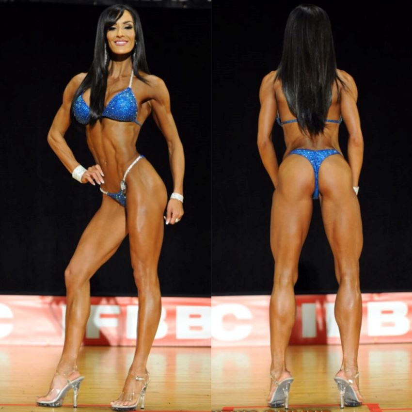 Heidi Carlsen in two different poses on the stage in a blue bikini, front pose and back pose