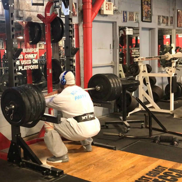 juan morel going deep in his squat