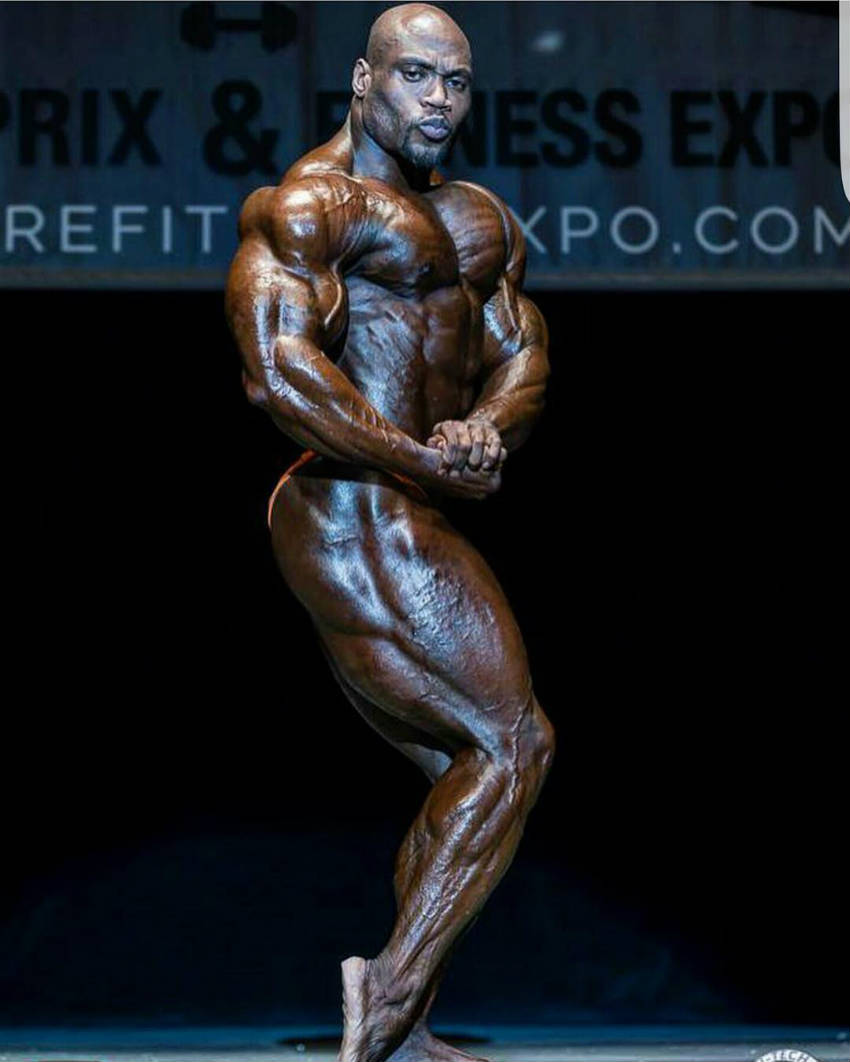 maxx charles side view while competing