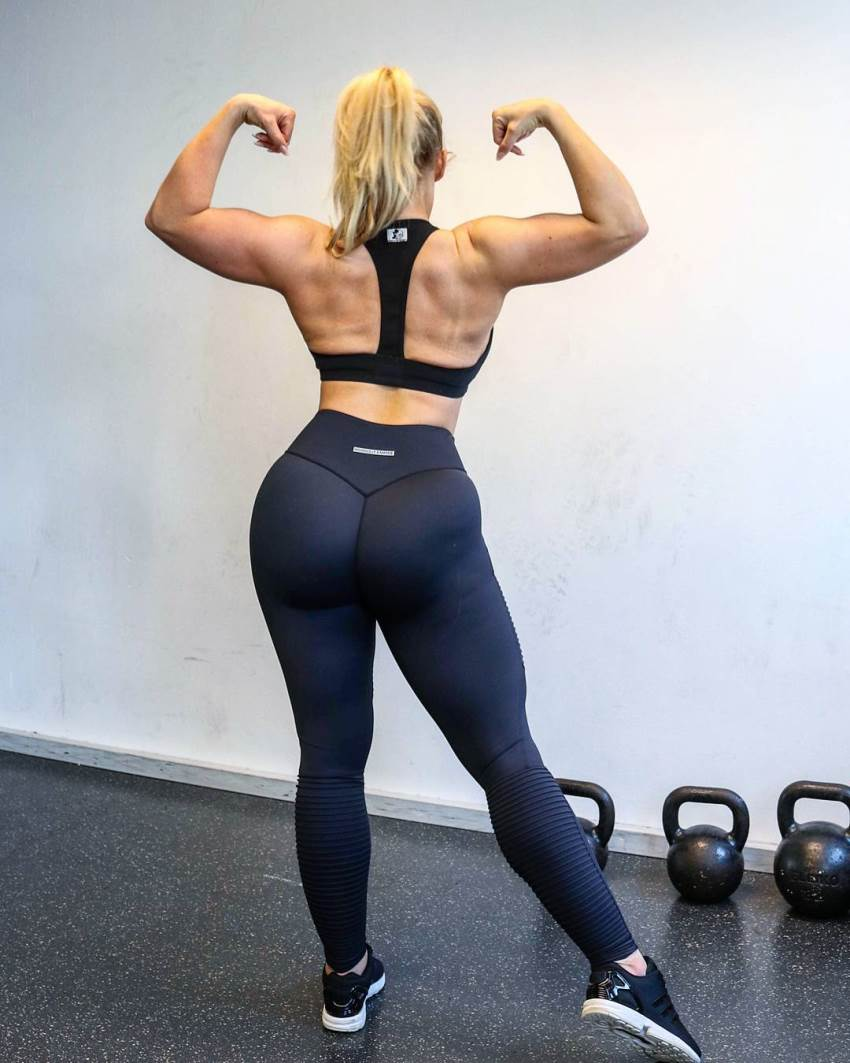 Mia Sand back double biceps shot
