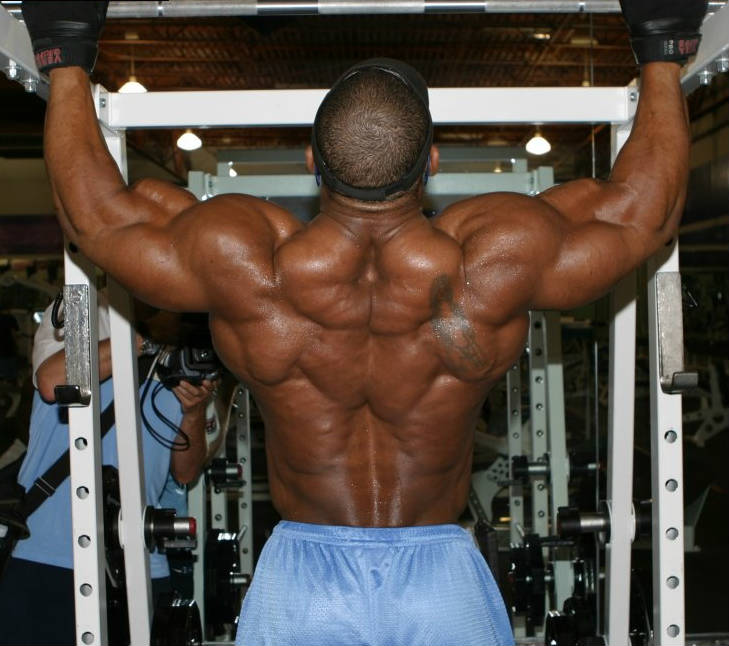 quincy taylor completing a back workout