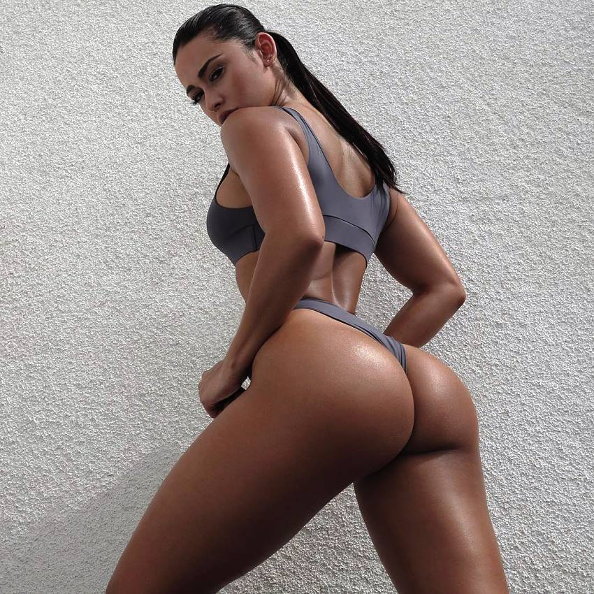 Stephanie Rao showing her awesome glutes up close