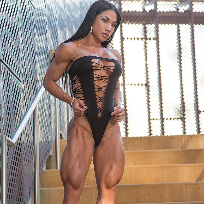 tina nguyen profile picture with defined quads