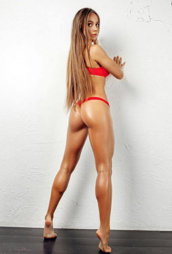 Brazilian fitness model showing herself to cameraman