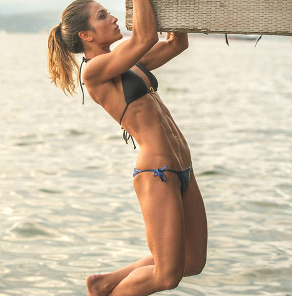 Kimberly Hoogendoorn completing a pull up at the beach