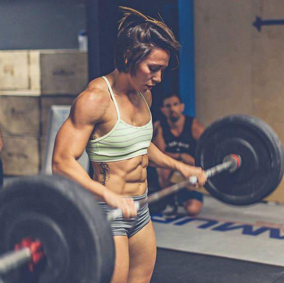 Miranda Oldroyd dropping a weight after doing a overhead squat