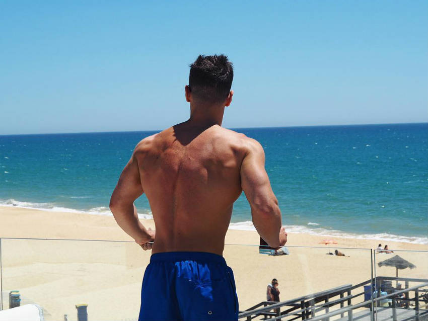 Rob Lipsett showing his toned back and triceps