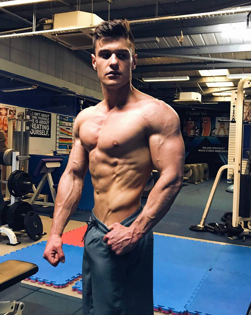 Rob Lipsett showing his oblique definition at the gym