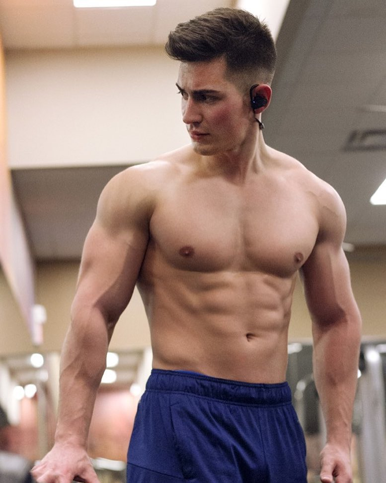 FaZe Censor standing shirtless in the gym, looking lean and fit