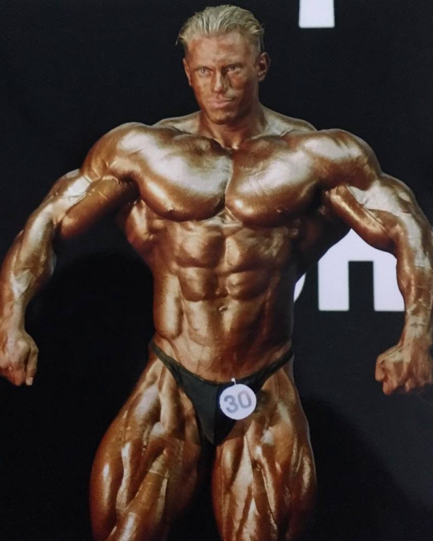 Dennis Wolf when he just started competing in professional shows, looking ripped and aesthetic