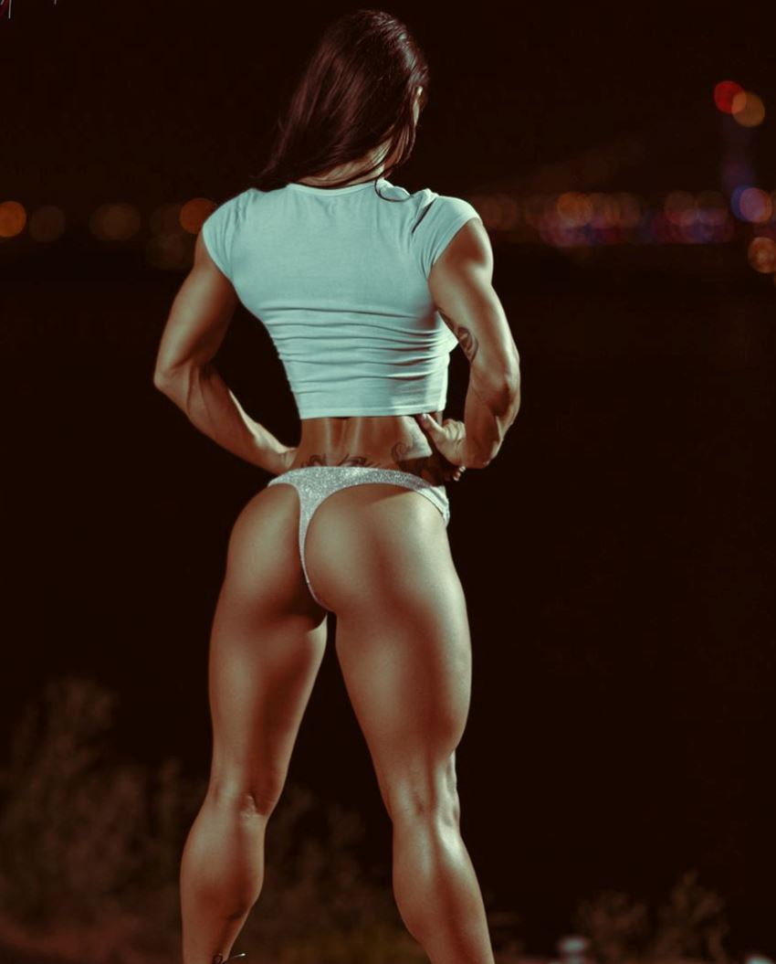 Lori Slayer showcasting her awesome legs and glutes