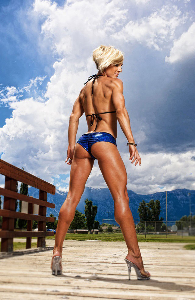 Jessie Hilgenburg showing off her physique in a photo shoot.