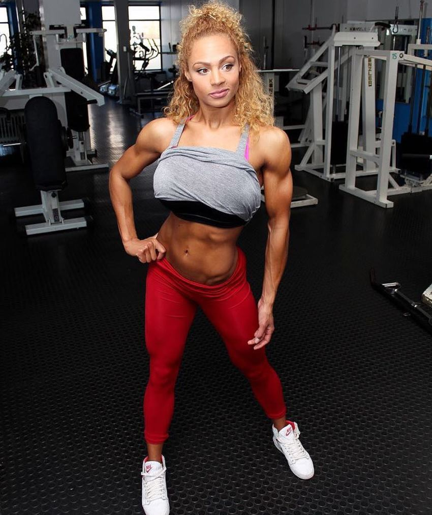 Ramona Valerie Alb showing her lean and fit body in the gym