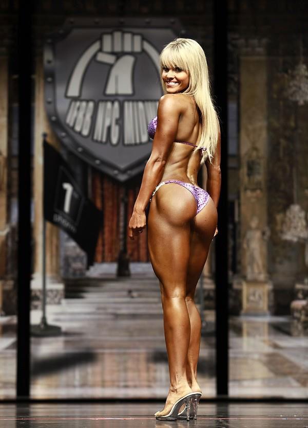4960ecd545295 Justine Munro | Age • Height • Weight • Images • Bio • Diet • Workout