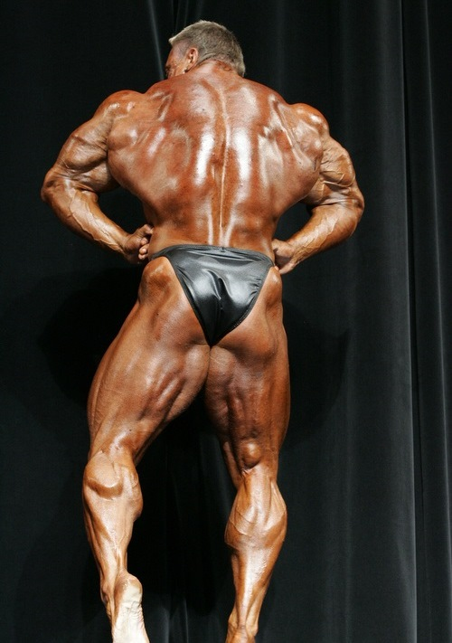 Markus Ruhl doing a rear lat spread on the bodybuilding stage