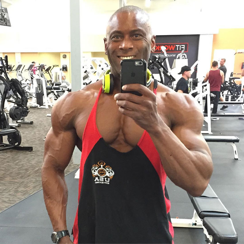Michael Anderson taking a selfie in the gym.