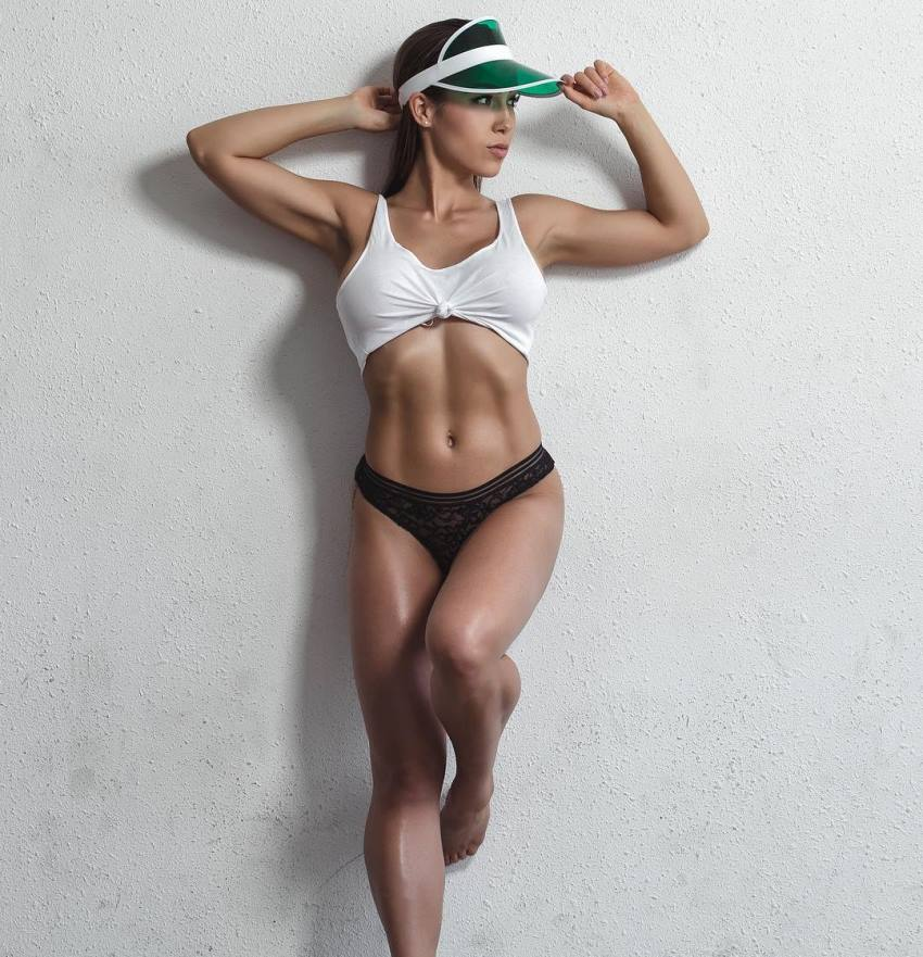 Randi Kennedy showcastng her fit and lean body
