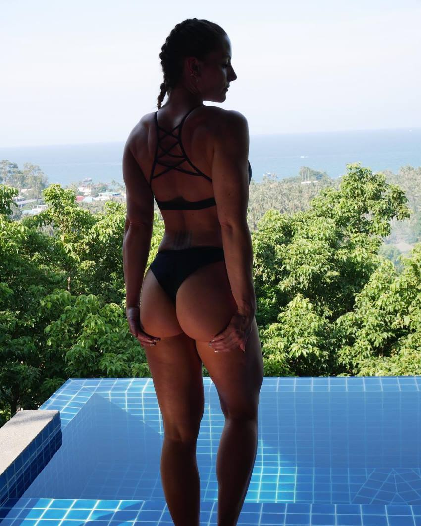 Rebecca Burger showcasting her glutes in a bikini