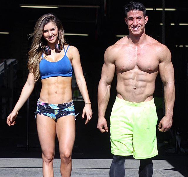 Tomas Echavarria walking together with Anllela Sagra