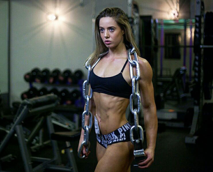 Zoey Wright with chains over her shoulders.