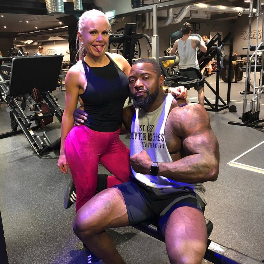 Anna Stålnacke taking a photo with Mike Rashid in her gym