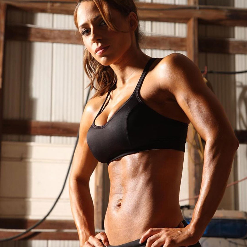 Chady Dunmore showing off her abs in a photo shoot.