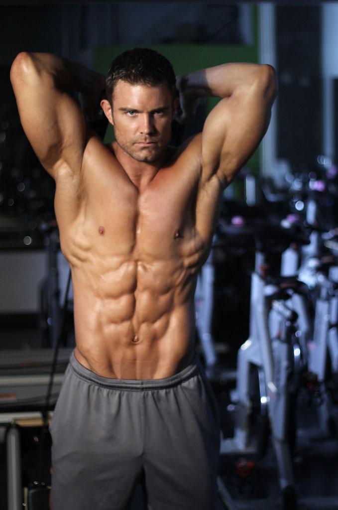 David Kimmerle performing triceps extensions.