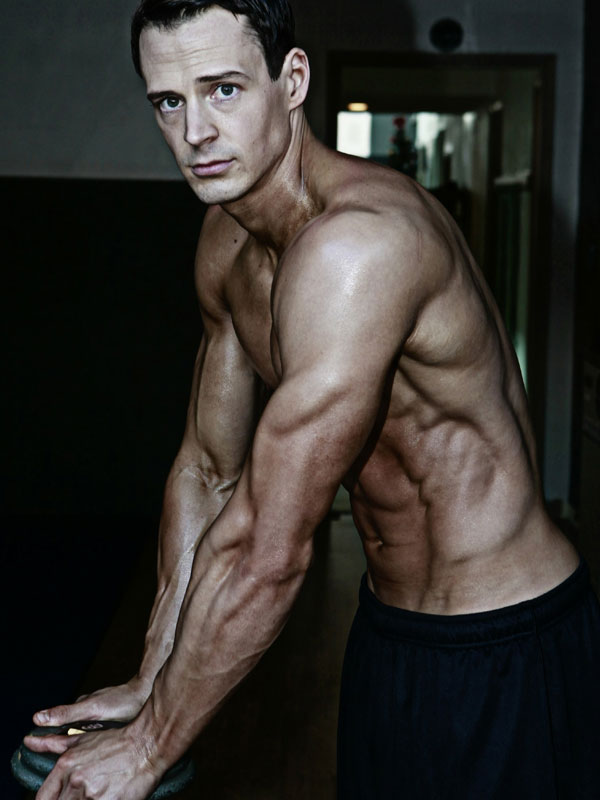 Jeremy Scott showing off his shredded physique.