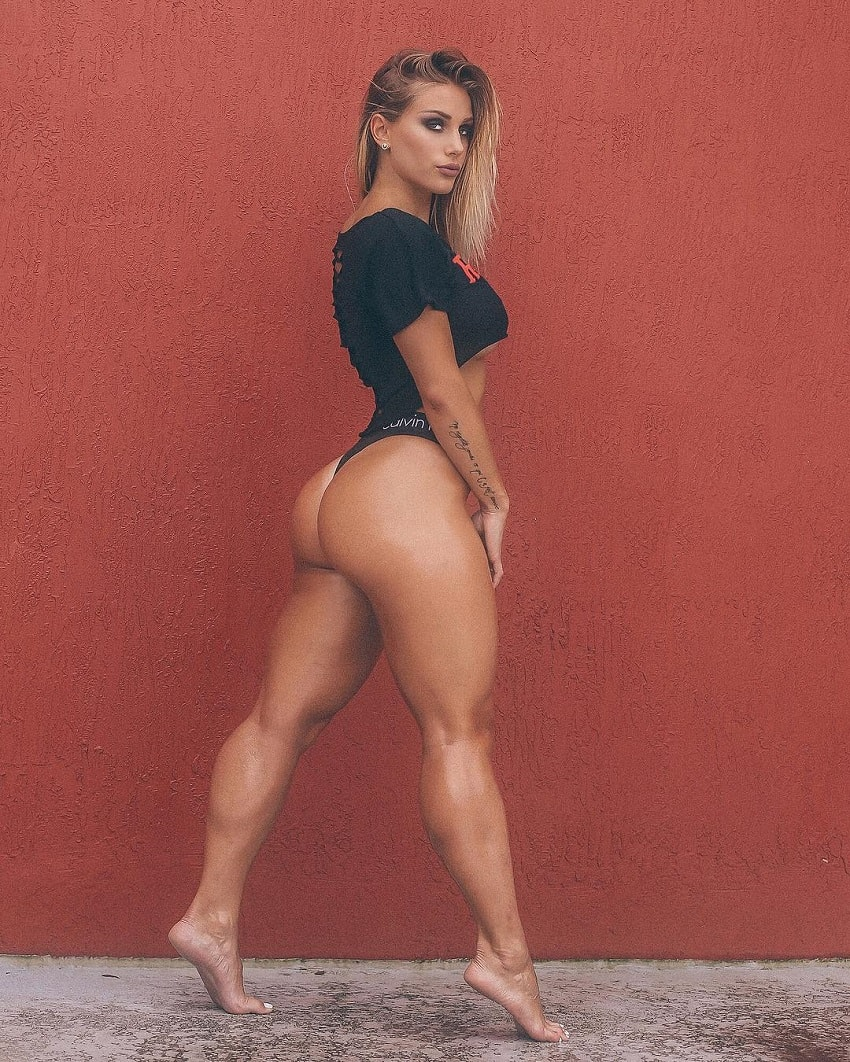 Marine Smezz posing in a photo shoot looking curvy and lean