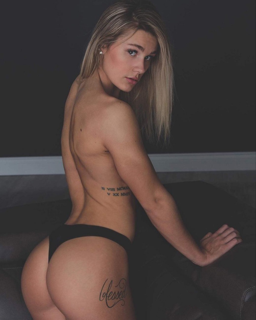 Destiny Stephens posing half-naked for a photo looking fit and curvy
