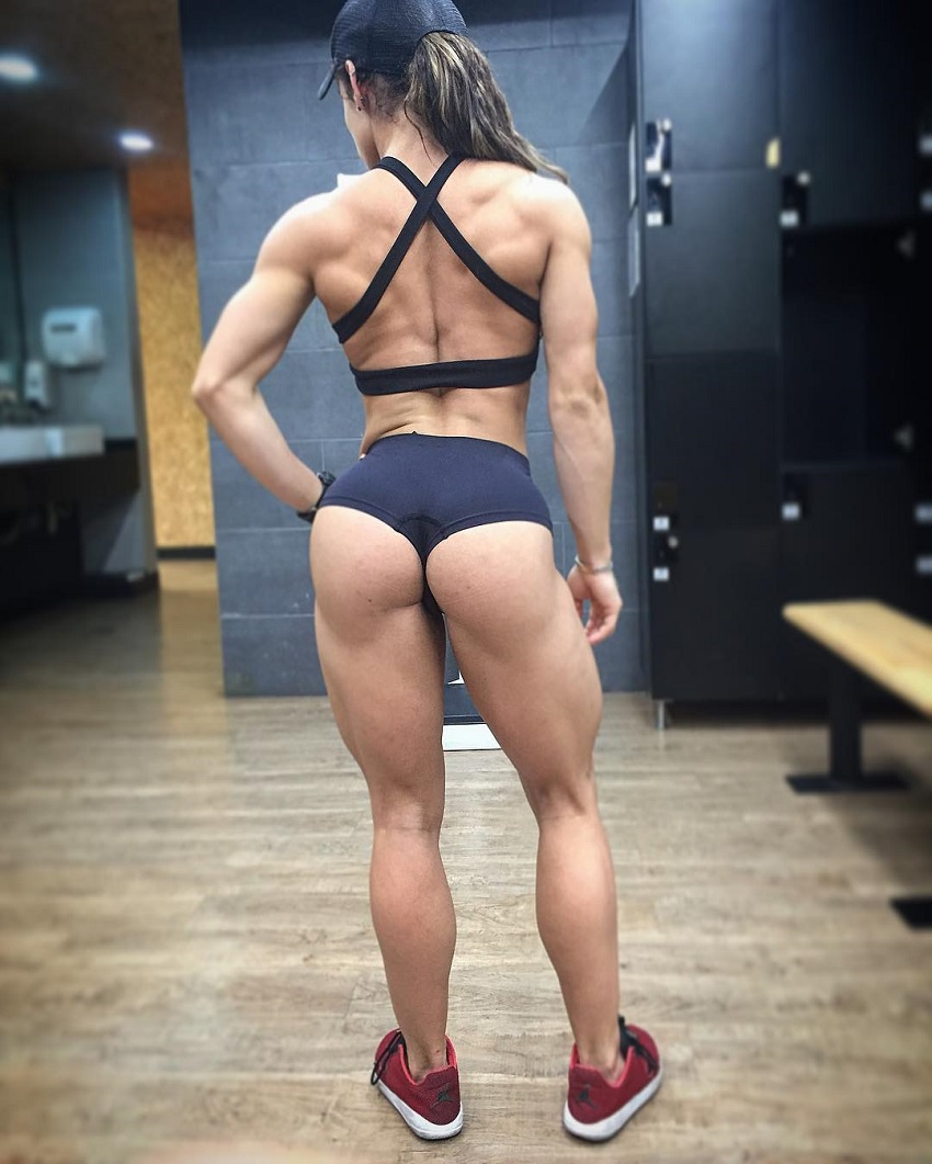 Elba Peka posing and showing off her glutes
