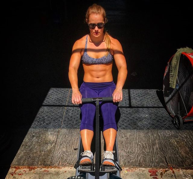 Dani Elle Speegle rowing