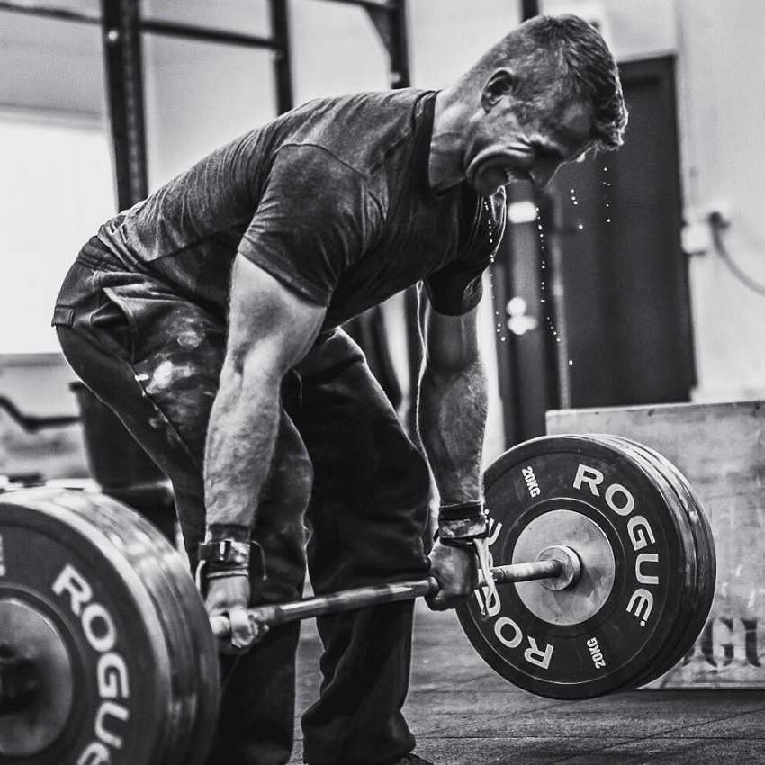 Mikko Salo doing heavy deadlifts during CrossFit training