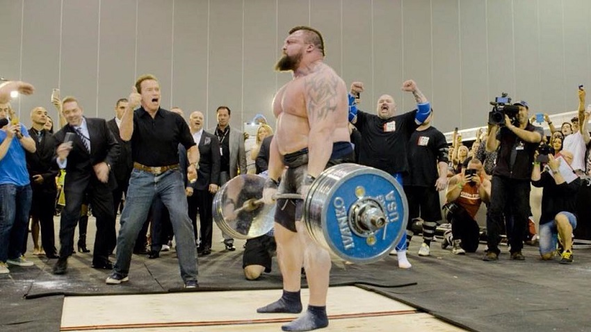 Eddie Hall doing heavy deadlifts during a strongman competition