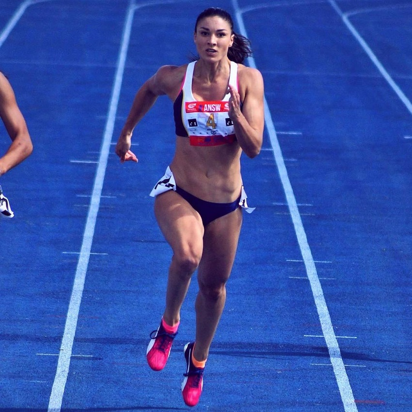 Michelle Jenneke sprinting during a race