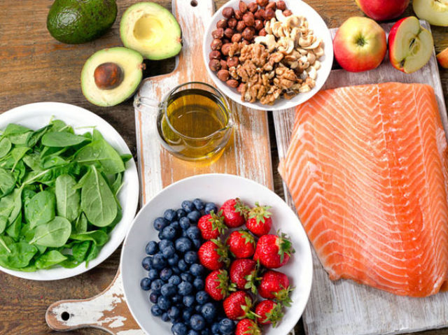 Clean Eating vs. Paleo Diet: Which Is Better for Fat Loss?