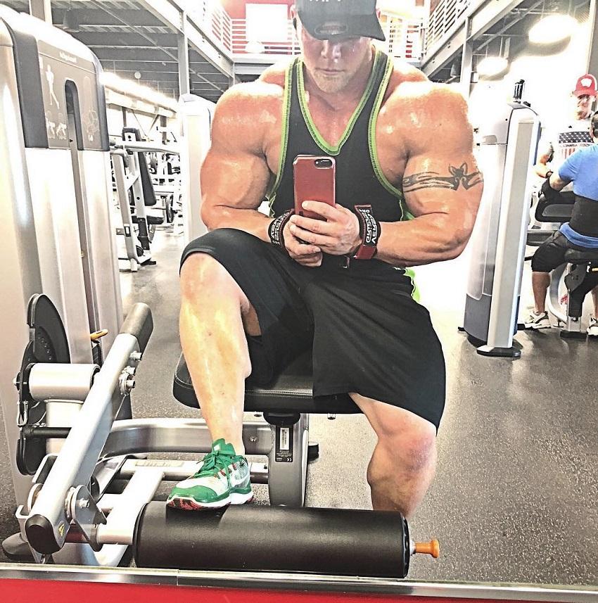 Brandon Beckrich taking a swole selfie in the gym