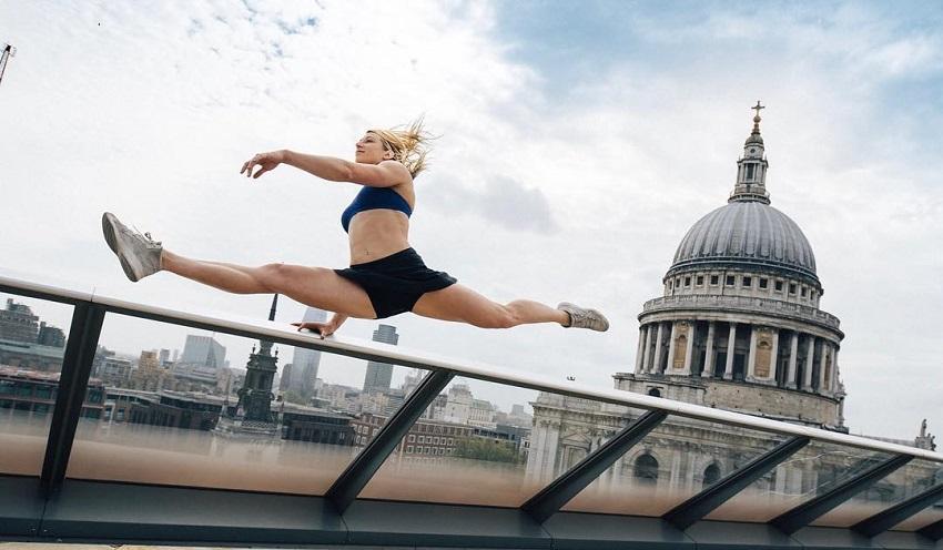 Jessie Graff running in the city